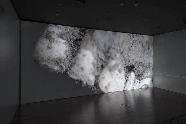 Maya Watanabe, Liminal (installationview), 2019. ProducedbytheHan NefkensFoundation. Courtesyoftheartist.